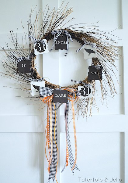 Easy to make Halloween Wreath.