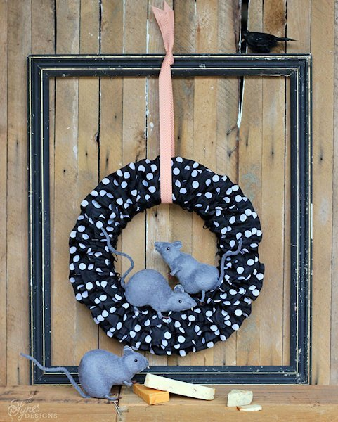 Halloween Wreath with rat decorations