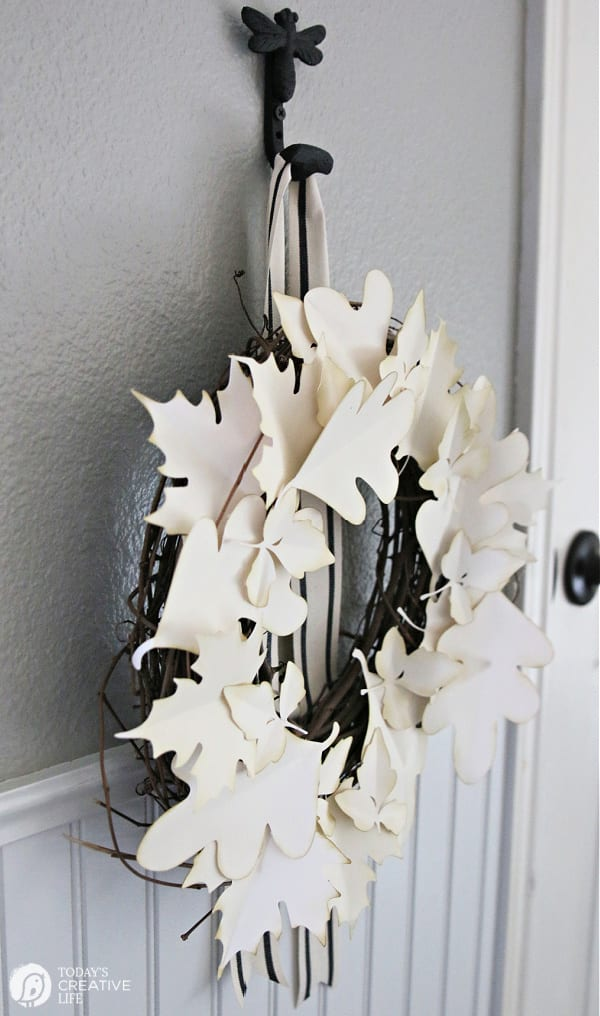 Side view of a paper leaves wreath
