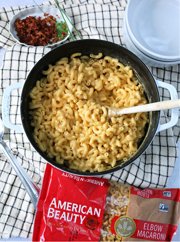 Recipe for creamy mac and cheese in a large pot.